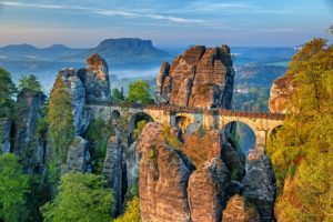 sachsen - elbsandsteingebirge mit basteibrücke